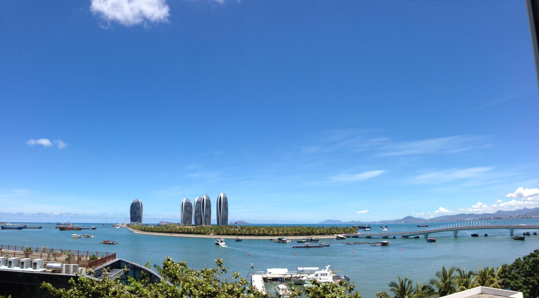 高速发展的凤凰岛 彭玉姣 海南海事局